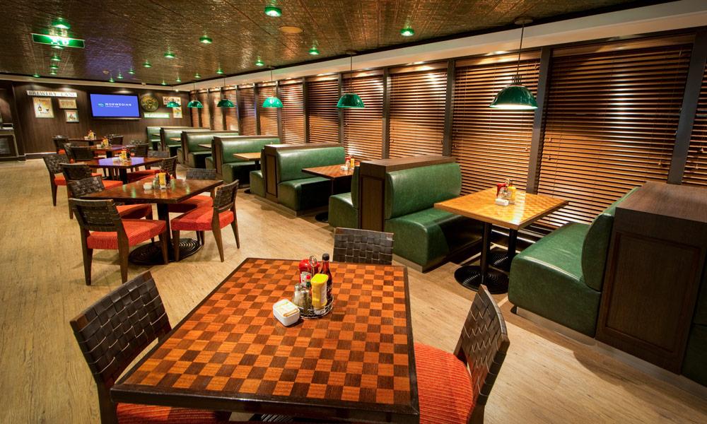 O'Sheehans auf der Norwegian Jade. Foto: Norwegian Cruise Line