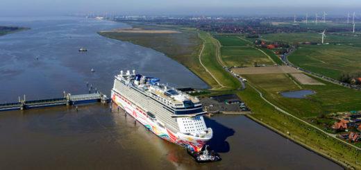 Norwegian Joy auf der Ems. Foto: Meyer Werft