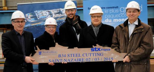 Offizielle von Royal Caribbean und Werft STX France beim Stahlschnitt der Oasis 4 in Saint-Nazaire. Foto: Royal Caribbean International