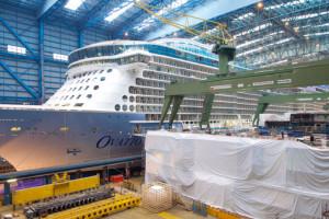 Ovation of the Seas im Baudock der Meyer Werft in Papenburg. Foto: Meyer Werft
