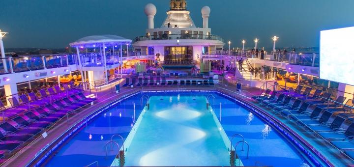 Pool an Deck von Royal Caribbean International
