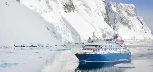 Expeditionsschiff Sea Spirit in der Arktis. Foto: Poseidon Expeditions