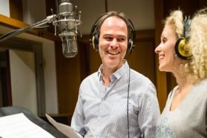 Sabrina Weckerlin und Thomas Borchert singen die neue Schiffshymne für die Mein Schiff Flotte. Foto: TUI Cruises