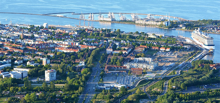 Kreuzfahrthafen Warnemünde von oben. Foto: Manfred Sander